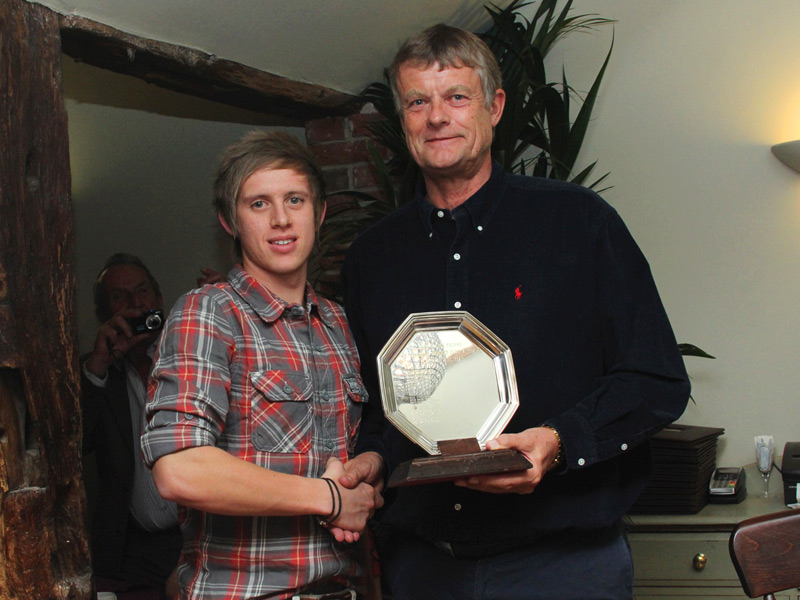 Dale Reynolds receives 2nd XI player of the year from captain Peter Thomas