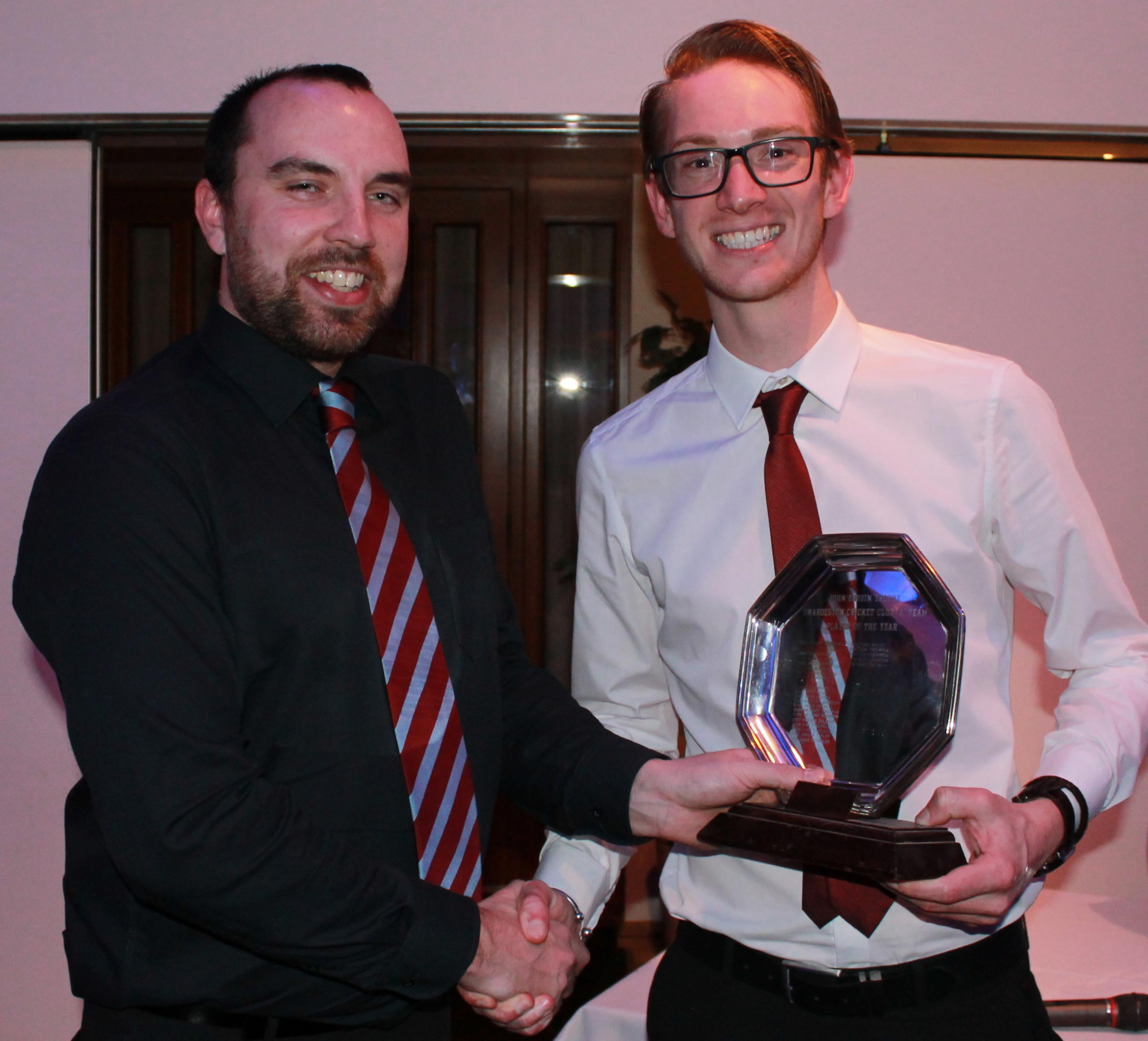 Ben Hogg presents SAm Thelwell with the John Bobbin Salver for 2nd XI player of the year.  Ben Hogg presents Sam Thelwell with the John Bobbin Salver for 2nd XI player of the year.